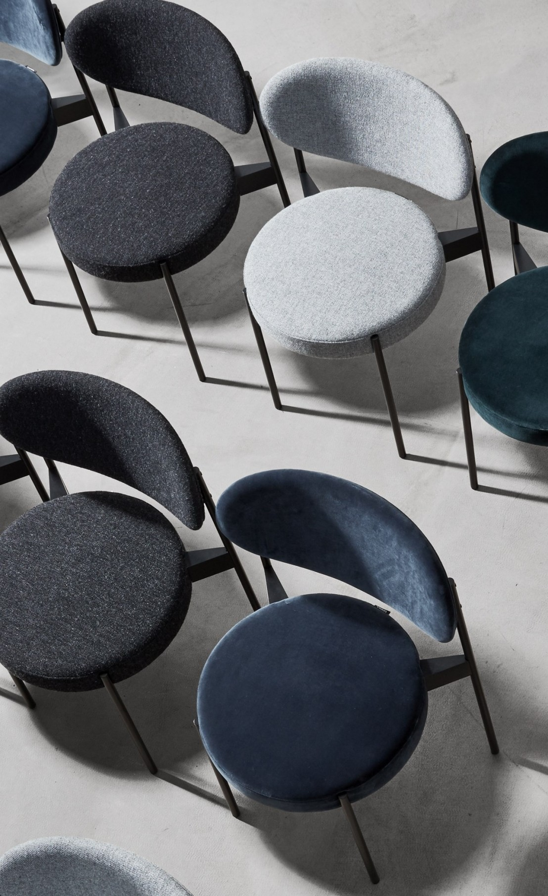 chaise series 430 verpan panton tissu kvadrat harald 3 raf simons. Black Bedroom Furniture Sets. Home Design Ideas