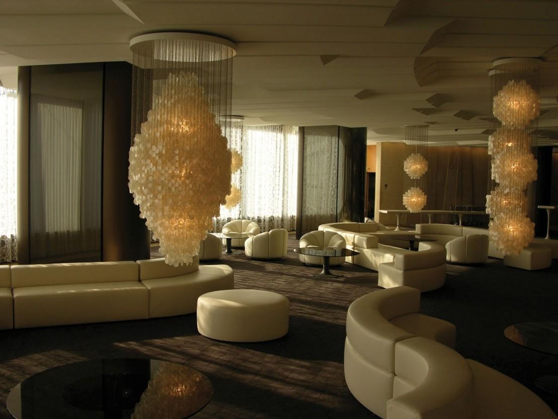 lustre luxe verner panton nacre fun 8dm. Black Bedroom Furniture Sets. Home Design Ideas