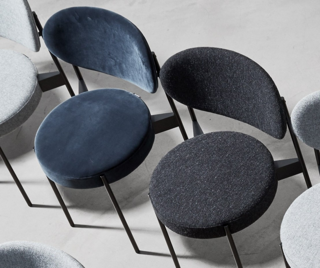 chaise series 430 verpan grise tissu gris hallingdal 65 kvadrat. Black Bedroom Furniture Sets. Home Design Ideas