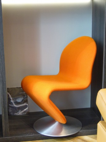 Chaise Panton, tissu kvadrat Tonus orange
