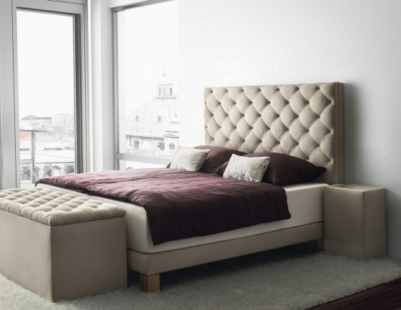 lit luxe t te de lit velout sommier matelas bio grand alp. Black Bedroom Furniture Sets. Home Design Ideas