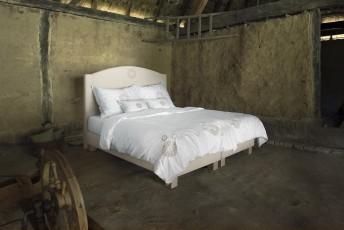 Lit complet 100% BIO DOVE tête de lit brodée + sommier + matelas PERFECT.SPRING.ROYAL VITALWOOD160*200cm