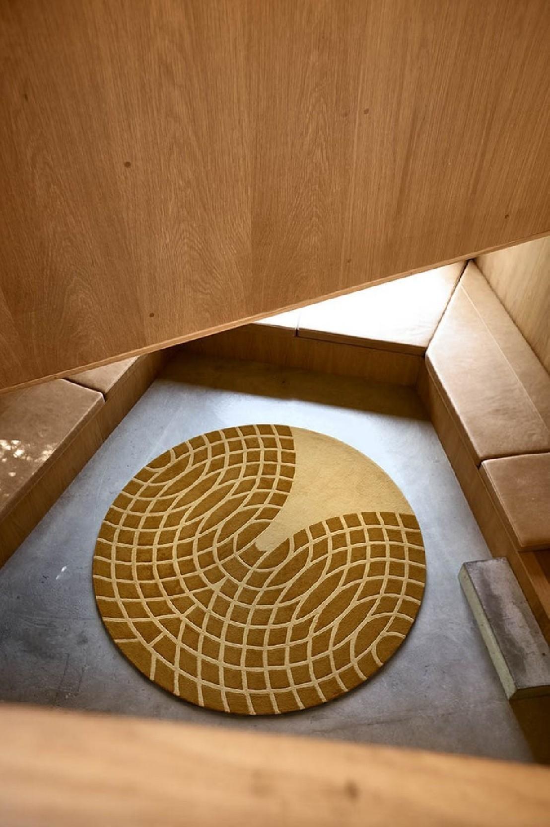 nouveau tapis laine verpan verner panton rond jaune. Black Bedroom Furniture Sets. Home Design Ideas