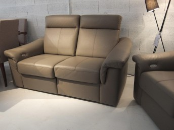 Canapé 2 places relax électrique sur une assise JOHNJOHN cuir Dolcia taupe
