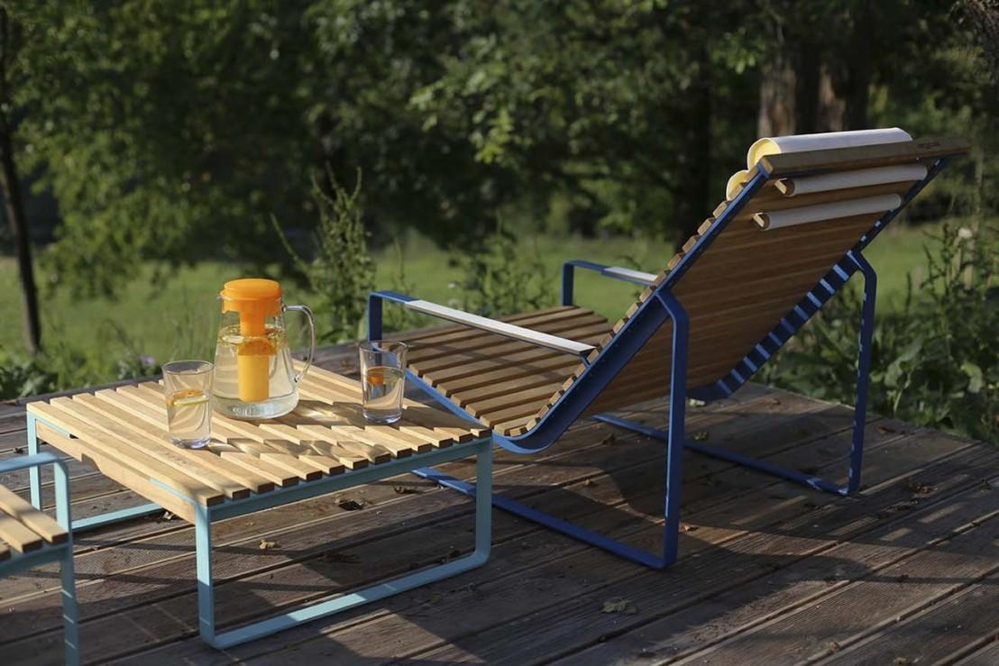 table basse carr e de jardin pr va m tal acier de couleur. Black Bedroom Furniture Sets. Home Design Ideas