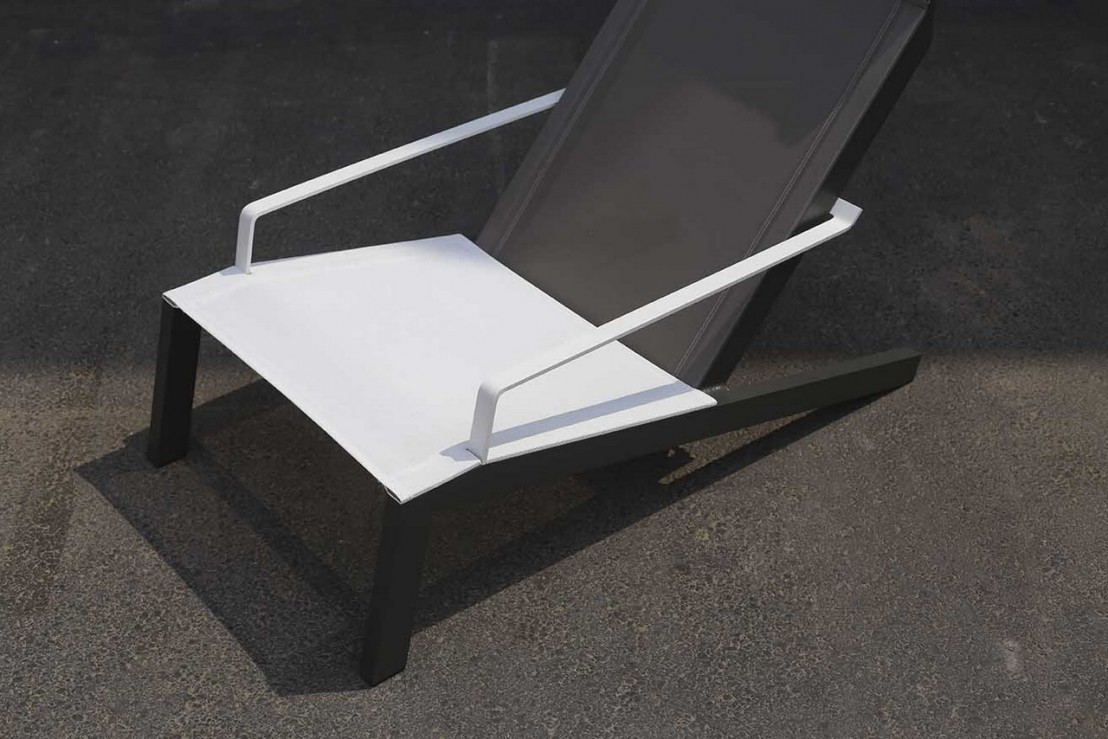 transat alva fauteuil avec accoudoirs ext rieur pour jardin en aluminium de couleur et tissu. Black Bedroom Furniture Sets. Home Design Ideas