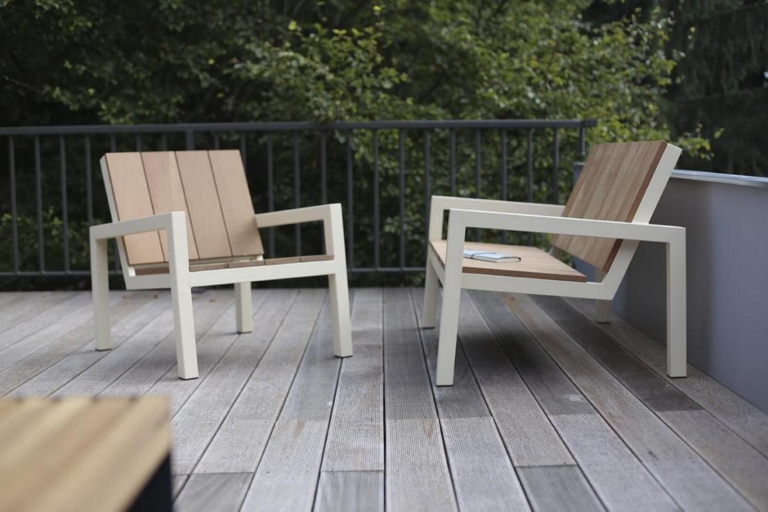 banquette 2 places pour ext rieur laurede en m tal acier de couleur et en bois massif seanroyale. Black Bedroom Furniture Sets. Home Design Ideas