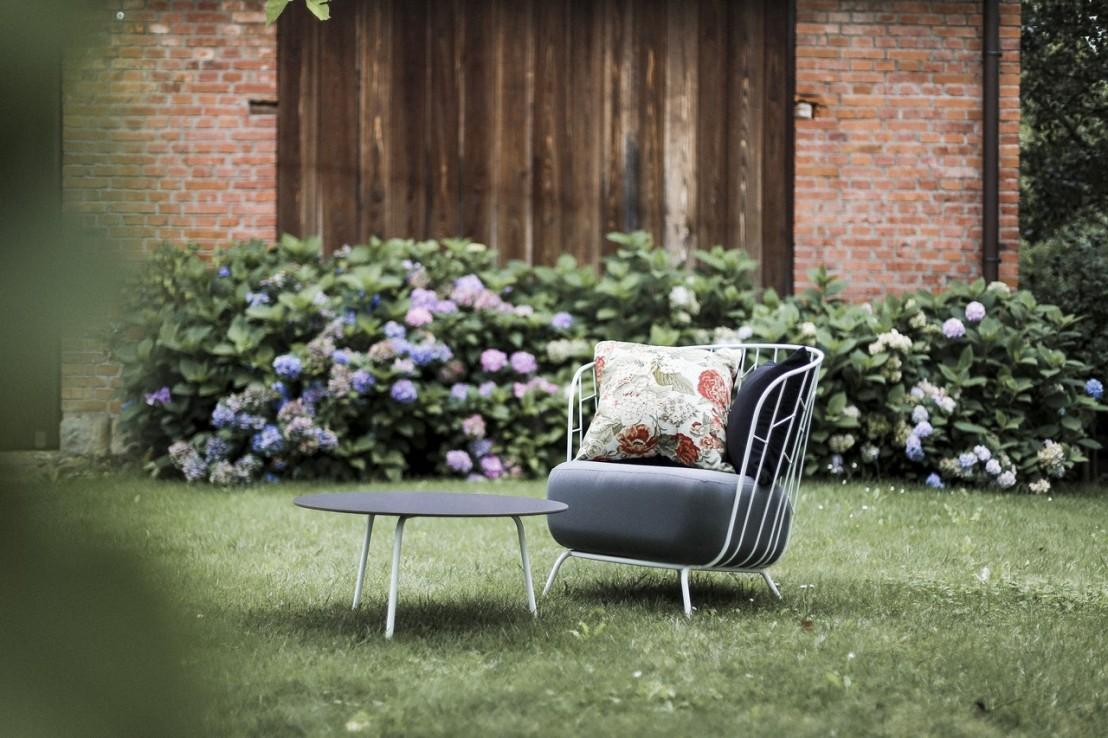 salon de jardin maj canap 2 places fauteuil table basse et petite table haute acier de. Black Bedroom Furniture Sets. Home Design Ideas