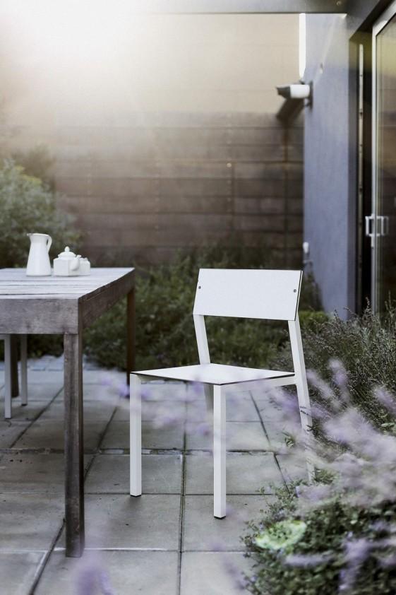 chaise de jardin cora en m tal aluminium de couleur assise et dossier en hpl de couleur. Black Bedroom Furniture Sets. Home Design Ideas
