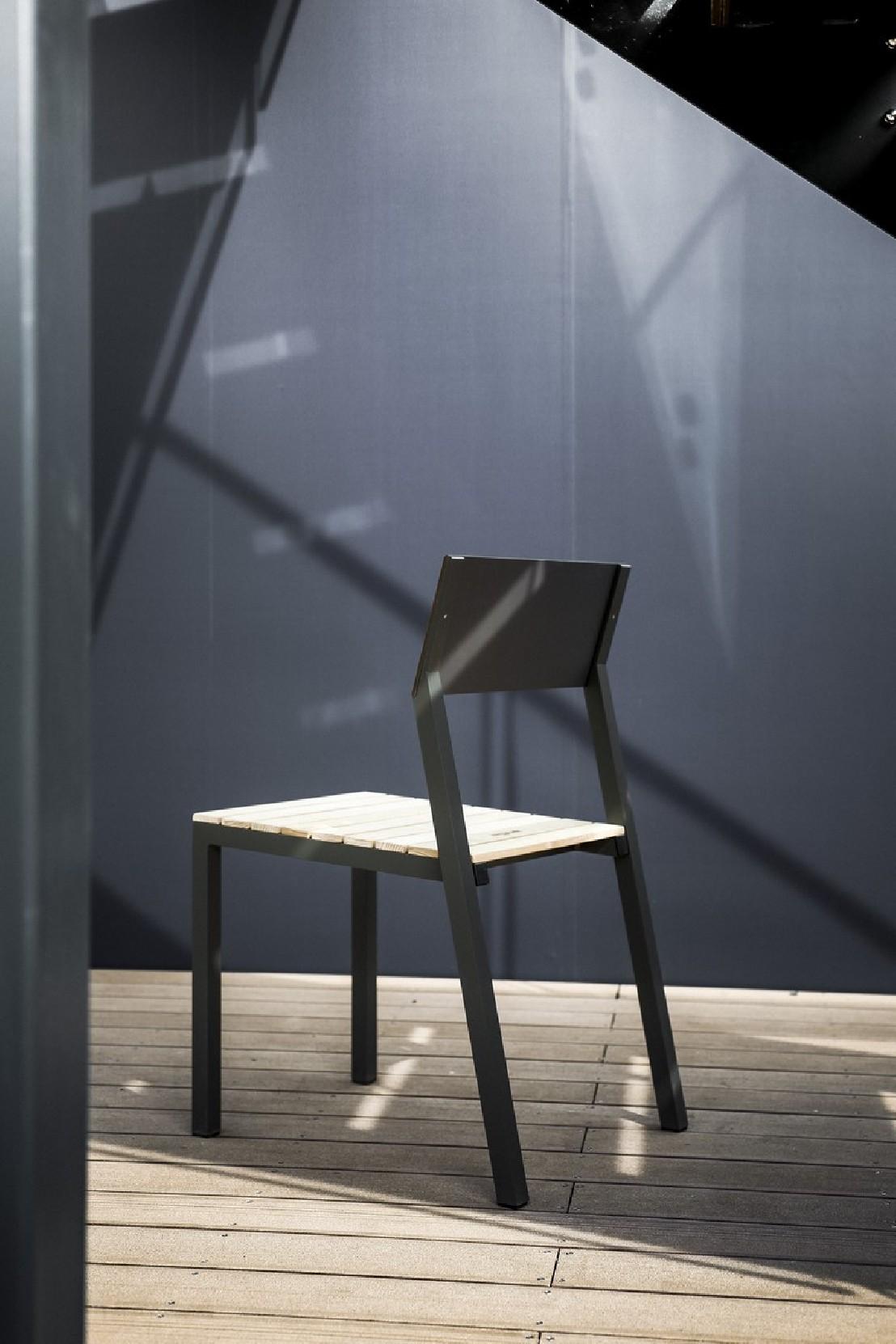 Ensemble repas cora table carr e et 4 chaises m tal - Salon de jardin en metal de couleur ...
