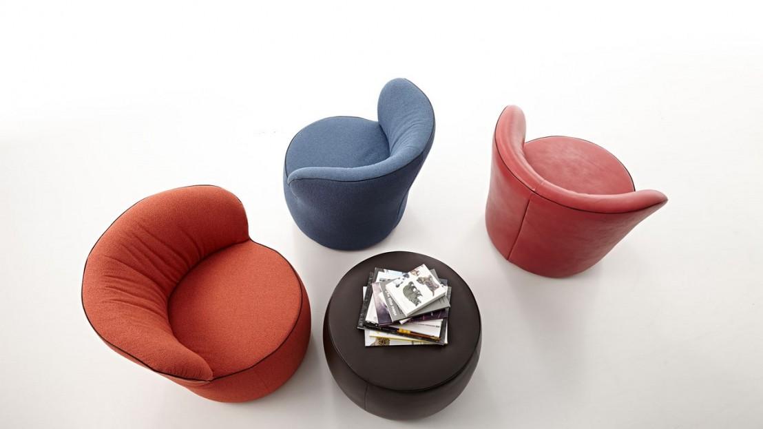 petit pouf rond original repose pied lido en cuir. Black Bedroom Furniture Sets. Home Design Ideas