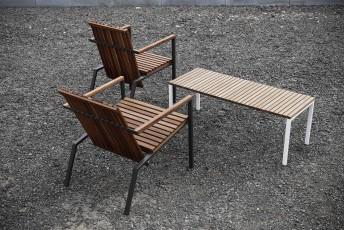 Banc extérieur de terrasse AXIS en métal acier de couleur et bois massif