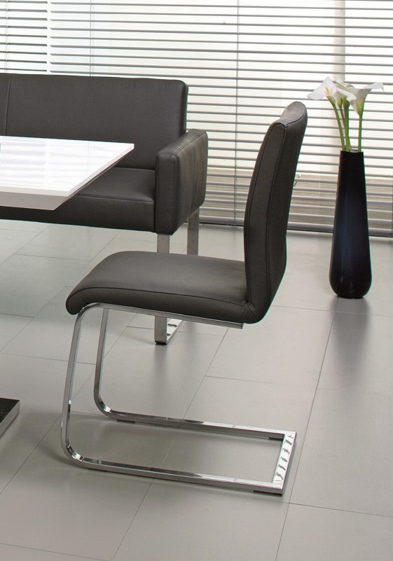 Chaise design en cuir PUREdining